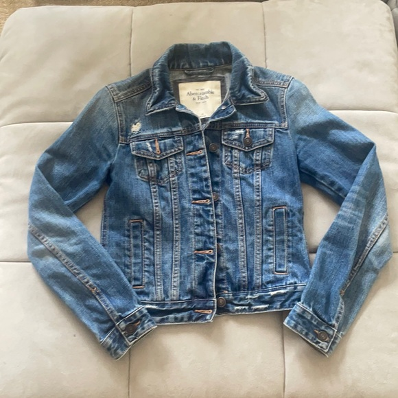 Abercrombie Fitted Jean Jacket